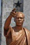 Kwame Nkrumah par lui-même (2) dans Lectures Statue-99x150